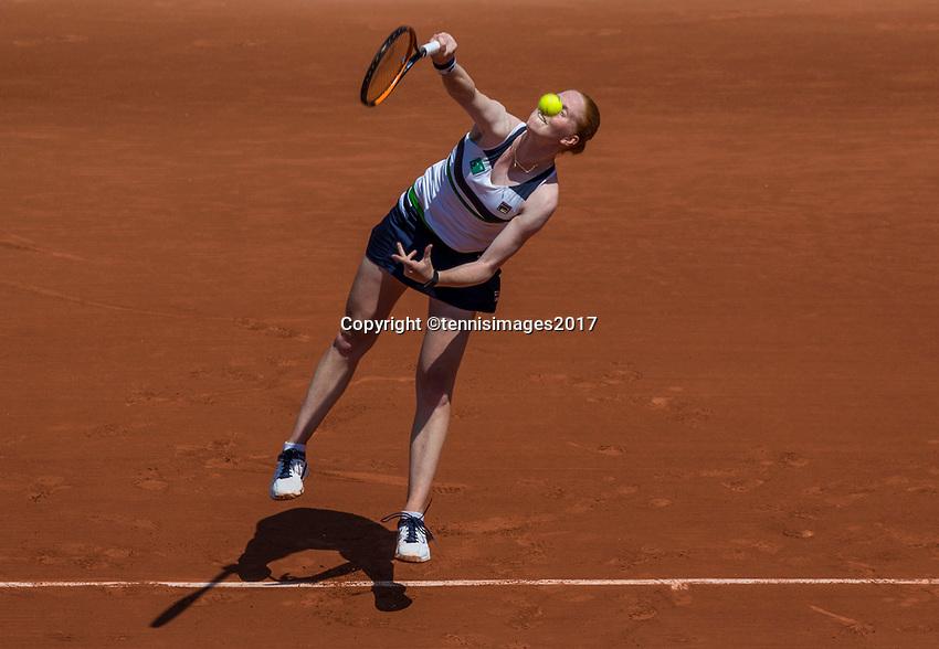 Paris, France, 1 June, 2017, Tennis, French Open, Roland Garros, Alison Uytvanck (BEL)<br /> Photo: Henk Koster/tennisimages.com