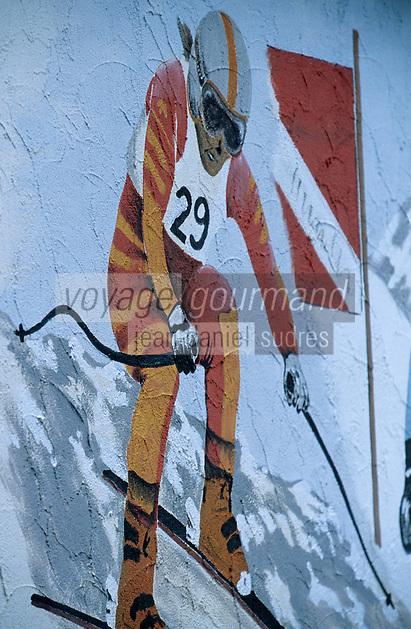 Europe/Suisse/Saanenland/Saanen: Détail peintures d'un skieur sur un hôtel