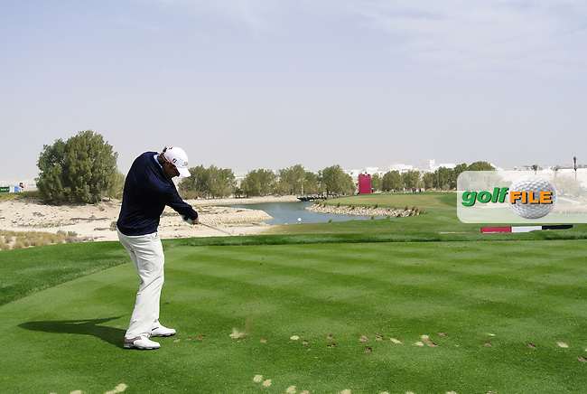 Peter Uihlein (USA) tees off on the par3 8th tee during Saturday's Round 2 of the 2012 Commercialbank Qatar Masters presented by Dolphin Energy at Doha Golf Club, Qatar, 4th February 2012 (Photo Eoin Clarke/www.golffile.ie)