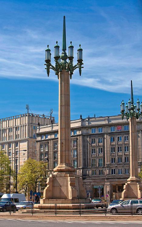 Socralistyczny kandelabr na Placu Konstytucji, Warszawa, Polska<br /> Socrealist candelabrum in Constitution Square, Warsaw, Poland