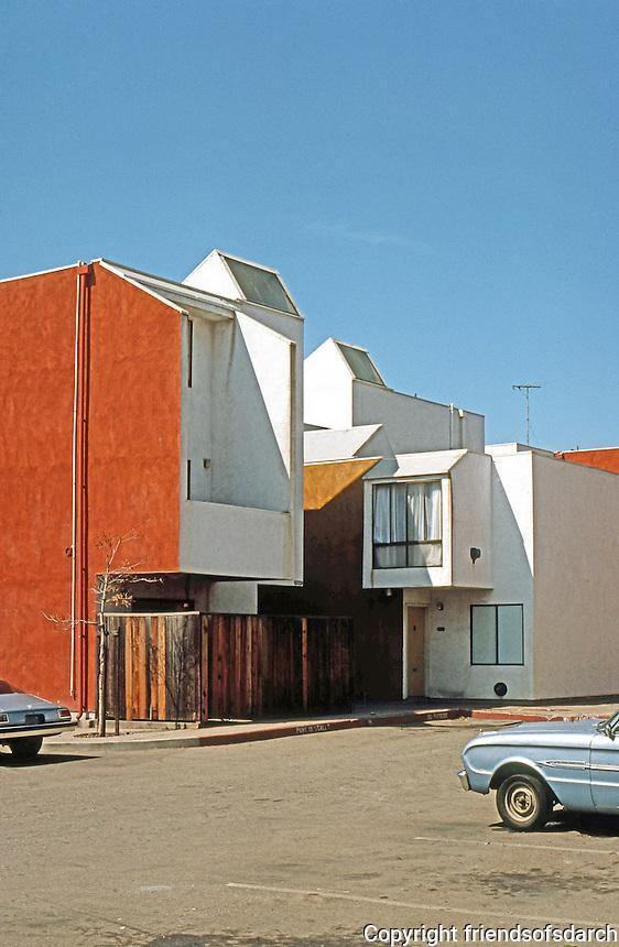 Oakland: Acorn Project. Bruger & Coplans, 1971.   Photo '76.