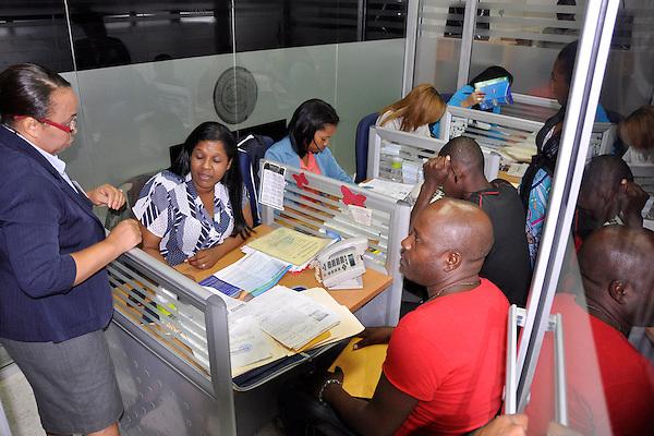 Ministro de Interior y Polic&iacute;a  Jos&eacute; Ram&oacute;n Fadul,  exhorta a los extranjeros residentes en el pa&iacute;s, en  especial a los Haitianos, que se acojan y que participen del Plan Nacional de regularizaci&oacute;n.<br /> Fotos: Carmen Su&aacute;rez/acento.com.do<br /> Fecha: 09/06/2014