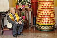 Nederland  Amsterdam  2016. Boeddhadag in Amsterdam. Viering van de geboorte van Boeddha. Voor aanvang verzamelt men zich in de Chinese F.G.S He Hua Temple op de Zeedijk. Foto Berlinda van Dam / Hollandse Hoogte