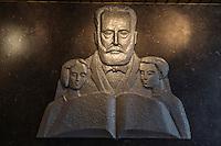 Europe/France/Bretagne/56/Morbihan/Lorient: Restaurant: Une Table à Lorient - Statue Pasteur