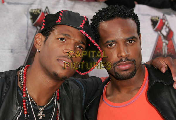 MARLON & SHAWN WAYANS.at the 2004 MTV Movie Awards held at The Sony Picture Studios in Culver City, .California,.6th June 2004..portrait headshot brothers family cap.*UK sales only*.www.capitalpictures.com.sales@capitalpictures.com.©Capital Pictures