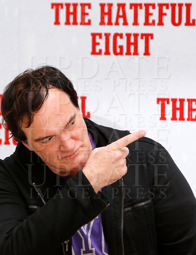 Il regista statunitense Quentin Tarantino posa durante un photocall per la presentazione del suo nuovo film &quot;The Hateful Eight&quot; a Roma, 28 gennaio 2016.<br /> U.S. director Quentin Tarantino poses during a photo call for the presentation of his new movie 'The Hateful Eight' in Rome, 28 January 2016.<br /> UPDATE IMAGES PRESS/Riccardo De Luca