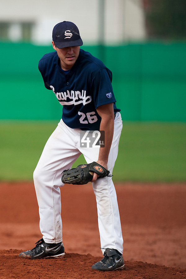10 october 2009: Tim Stewart of Savigny pitches against Rouen during game 4 of the 2009 French Elite Finals won 7-2 by Huskies of Rouen over Lions of Savigny, at Stade Jean Moulin stadium in Savigny sur Orge, near Paris, France. Rouen wins the 2009 France championship, his sixth title.