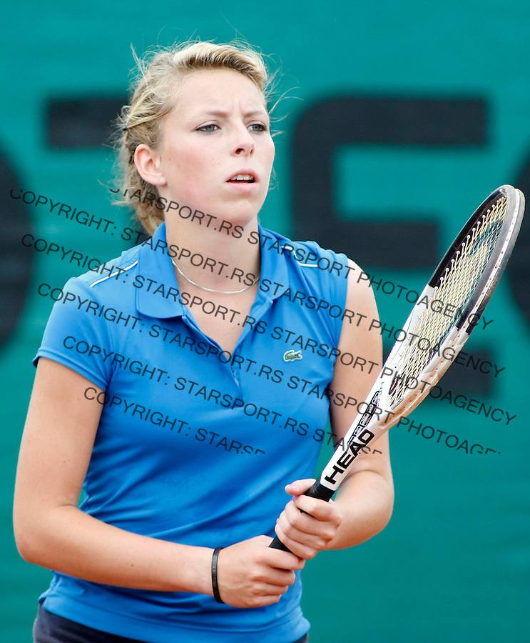 Tenis, World Championship U-14.France-Colombia.Laura Tantin Vs. Paula Andrea Perez.Laura Tantin.Prostejov, 03.08.2010..foto: Srdjan Stevanovic/Starsportphoto ©