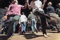 Cercle circassien danse en ligne, a deux