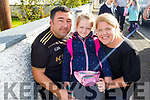 Leah O'Connell on her first day at school in Abbeydorney NS on Tuesday with her parents Deirdre and Alan O'Connell.