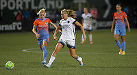 Portland, Oregon - Wednesday September 7, 2016: Portland Thorns FC midfielder Allie Long (10) during a regular season National Women's Soccer League (NWSL) match at Providence Park.