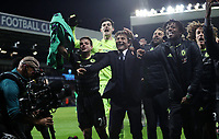 Fu?ball, FC Chelsea vorzeitig englischer Meister Antonio Conte Chelsea manager and his players celebrate at the end of the Premier League match between WBA and Chelsea played at The Hawthorns Stadium, Birmingham on 12th May 2017 Football - Premier League 2016/17 West Bromwich Albion v Chelsea Hawthorns, The, Birmingham Rd, West Bromwich, United Kingdom 12 May 2017 <br /> Il Chelsea allenato da Antonio Conte vince la Premier League <br /> Foto Bpi/Imago/Insidefoto <br /> ITALY ONLY