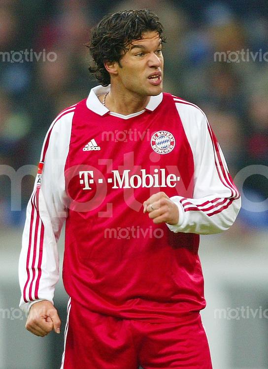 Fussball  1. Bundesliga Saison 2003/2004  11. Spieltag Schalke 04 - FC Bayern Muenchen 2:0       Michael BALLACK enttaeuscht.