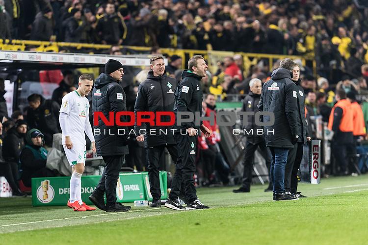 05.02.2019, Signal Iduna Park, Dortmund, GER, DFB-Pokal, Achtelfinale, Borussia Dortmund vs Werder Bremen<br /> <br /> DFB REGULATIONS PROHIBIT ANY USE OF PHOTOGRAPHS AS IMAGE SEQUENCES AND/OR QUASI-VIDEO.<br /> <br /> im Bild / picture shows<br /> Florian Kohfeldt (Trainer SV Werder Bremen) verärgert / emotional in Coachingzone / an Seitenlinie nach 3:2 Führung für Dortmund, <br /> <br /> Foto © nordphoto / Ewert