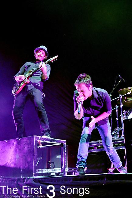 Dan Estrin, left, and Doug Robb of Hoobastank perform at Columbus Nationwide Arena in Columbus, Ohio on September 2, 2009.