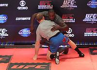 RIO DE JANEIRO, RJ, 01 AGOSTO 2013 - TREINO ABERTO PHIL DAVIS UFC 163 RIO - O atleta Phil Davis realiza o treino aberto do UFC 163 que acontece no Rio De Janeiro na Lapa no Rio de Janeiro nessa quinta 01. (FOTO: LEVY RIBEIRO / BRAZIL PHOTO PRESS)
