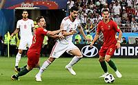 SARANSK - RUSIA, 25-06-2018: Saeid EZATOLAHI (C) jugador de RI de Irán disputa el balón con Adrien SILVA (Izq) y Aandre SILVA (Der) jugador de Portugal durante partido de la primera fase, Grupo B, por la Copa Mundial de la FIFA Rusia 2018 jugado en el estadio Mordovia Arena en Saransk, Rusia. / Saeid EZATOLAHI (C) player of IR Iran fights the ball with Adrien SILVA (L) and Aandre SILVA (R) player of Portugal during match of the first phase, Group B, for the FIFA World Cup Russia 2018 played at Mordovia Arena stadium in Saransk, Russia. Photo: VizzorImage / Julian Medina / Cont