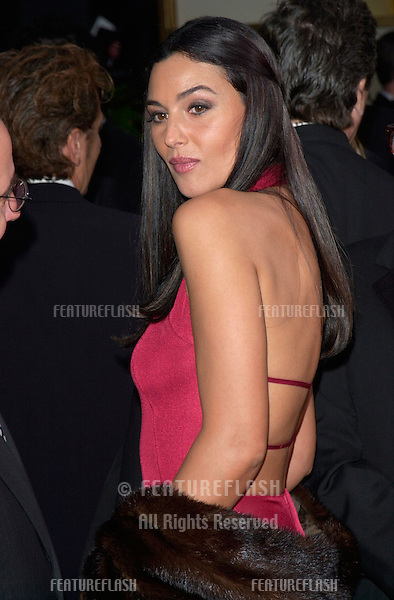Actress MONICA BELLUCCI at the 2001 Golden Globe Awards at the Beverly Hilton Hotel..21JAN2001.  © Paul Smith/Featureflash