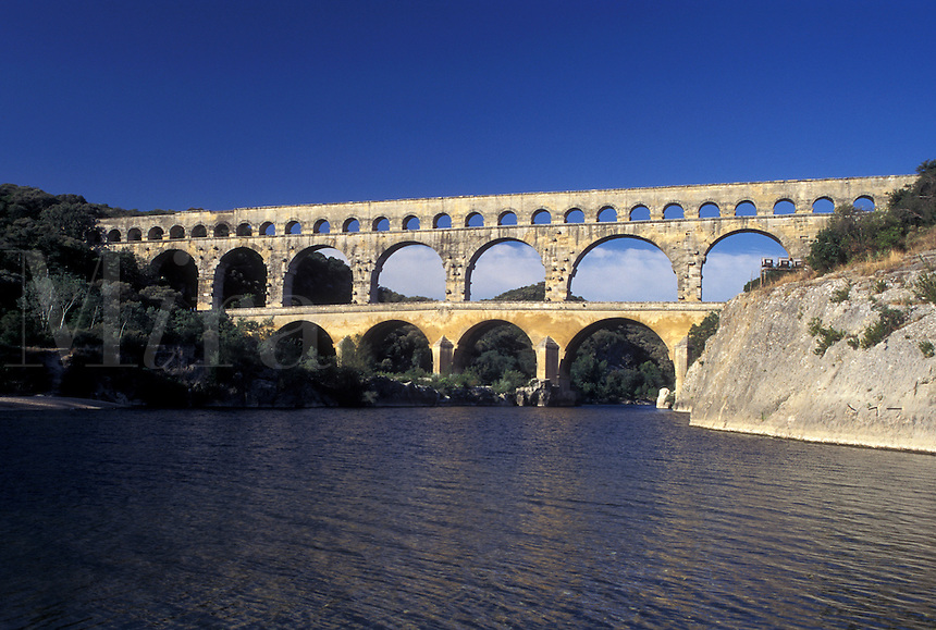 Pont du Gard, aqueduct, France, Languedoc-Roussillon, Europe, Three-tiered 19 BC Roman Aqueduct, Pont du Gard spans the Gardon River.