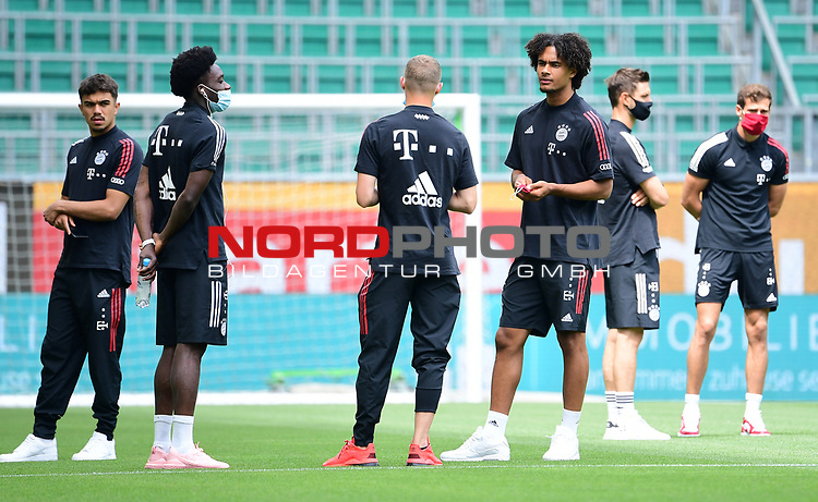 v.l. Oliver Batista Meier, Alphonso Davies, Mickael ''Michael'' Cuisance, Joshua Zirkzee (Bayern)<br />
