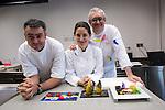 El equipo del Restaurante Arzak que impartió la Masterclass en el Basque Culinary Center. Igor Zalacain (L), Elena Arzak (C), Xabi Gutierrez (R)