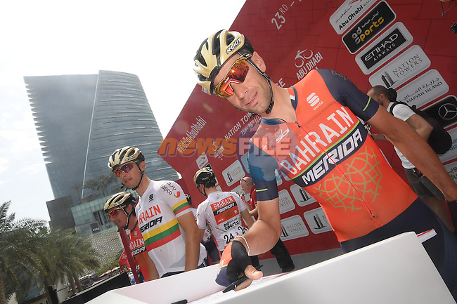 Vincenzo Nibali (ITA) Bahrain-Merida at sign on before the start of Stage 2 the Nation Towers Stage of the 2017 Abu Dhabi Tour, running 153km around the city of Abu Dhabi, Abu Dhabi. 24th February 2017<br /> Picture: ANSA/Claudio Peri | Newsfile<br /> <br /> <br /> All photos usage must carry mandatory copyright credit (&copy; Newsfile | ANSA)