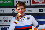 Remco Evenepoel (BEL) wins the Men's Junior Individual Time Trial of the 2018 UCI Road World Championships running 27.8km from Wattens to Innsbruck, Innsbruck-Tirol, Austria 2018. 25th September 2018.<br /> Picture: Innsbruck-Tirol 2018/BettiniPhoto | Cyclefile<br /> <br /> <br /> All photos usage must carry mandatory copyright credit (&copy; Cyclefile | Innsbruck-Tirol 2018/BettiniPhoto)