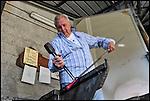 Il maestro vetraio Elio Bormioli all'opera alla fornace del Museo del Vetro di Altare (SV) nell'ambito del Glass Fest 2014