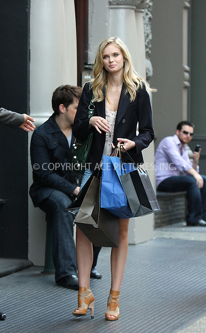 WWW.ACEPIXS.COM . . . . .  ....September 23 2009, New York City....Actress Sara Paxton on the Soho set of the new TV show 'The Beautiful Life' on September 23 2009 in New York City....Please byline: AJ Sokalner - ACEPIXS.COM..... *** ***..Ace Pictures, Inc:  ..tel: (212) 243 8787..e-mail: info@acepixs.com..web: http://www.acepixs.com