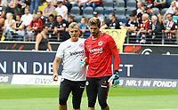 "Torwart Kevin Trapp (Eintracht Frankfurt) mit Torwarttrainer Manfred ""Moppes"" Petz (Eintracht Frankfurt) - 18.08.2019: Eintracht Frankfurt vs. TSG 1899 Hoffenheim, Commerzbank Arena, 1. Spieltag Saison 2019/20 DISCLAIMER: DFL regulations prohibit any use of photographs as image sequences and/or quasi-video."