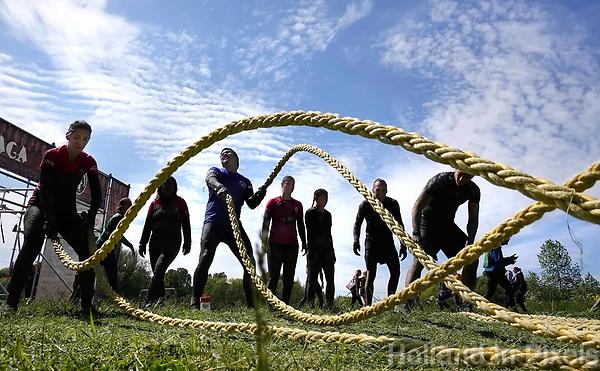 Nederland - Spaarnwoude - mei 2019. De Strong Viking Hills Edition. Obstacle Run in recreatiegebied Spaarnwoude. Battle ropes. Foto mag niet in negatieve / schadelijke context gepubliceerd worden. Foto Berlinda van Dam / Hollandse Hoogte.