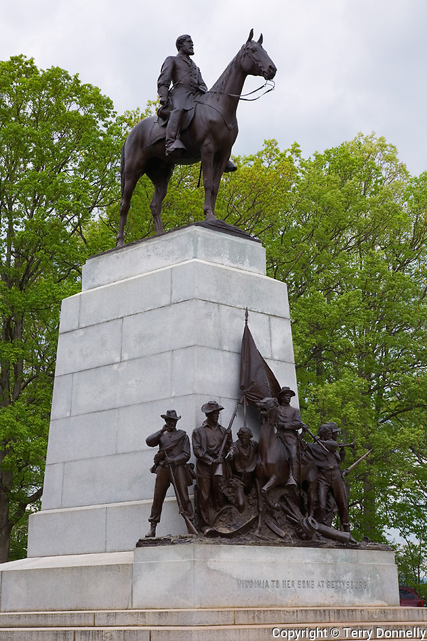 Gettysburg National Military Park, PA<br /> Virginia Monument with Robert E. Lee on Seminary Ridge