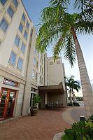 EUS- Wyvern Hotel Rooms - Lobby & Curve Tavern, Punta Gorda FL 10 15