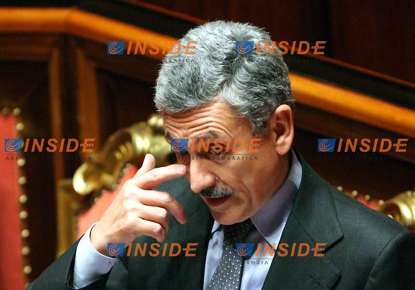 Roma 16 11 2006 Senato:Question Time con il ministro degli Esteri e Vice Premier Massimo D'Alema<br /> Photo Serena Cremaschi Inside (www.insidefoto.com)
