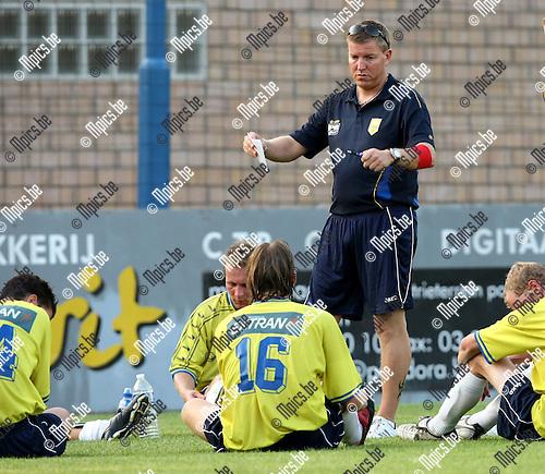 2009-08-06 / Voetbal / seizoen 2009-2010 / VC Wijnegem / Dirk van Hemelrijk..Foto: Maarten Straetemans (SMB)