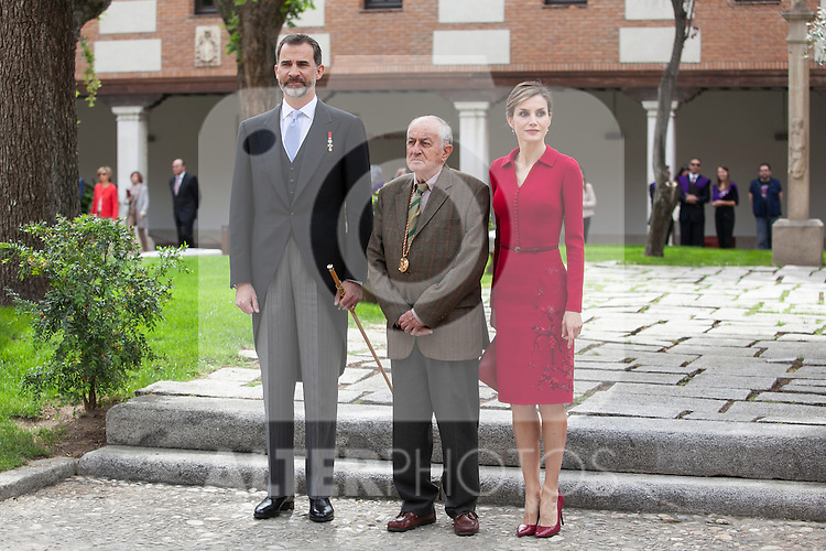 Spanish Royals King Felipe VI of Spain (L), Queen Letizia of Spain and awarded writer Juan Goytisolo during `2014 Cervantes Award´ at Alcala de Henares University in Alcala de Henares, Spain. April 23, 2015. (ALTERPHOTOS/Victor Blanco)