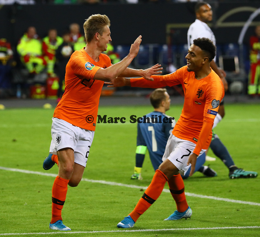 celebrate the goal, Torjubel zum 1:1 Ausgleich von Frenkie de Jong (Niederlande) mit Donyell Malen (Niederlande) - 06.09.2019: Deutschland vs. Niederlande, Volksparkstadion Hamburg, EM-Qualifikation DISCLAIMER: DFB regulations prohibit any use of photographs as image sequences and/or quasi-video.