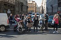 Roma  25 Novembre 2013<br /> Staminali, la protesta dei malati.<br />  Il movimento di sostegno al trattamento con cellule staminali pro-Stamina manifesta  nel centro di Roma. Gli attivisti della associazione 'Civico 117A' hanno invaso Via del Tritone e Via del Corso, vicino al Palazzo Chigi, bloccando il traffico. Il blocco a Via del Tritone<br /> Roma, Italy. 25th November 2013 -- The pro-Stamina stem cell treatment support movement demonstrates in the center of Rome. Activists of the 'Civic 117A' association have invaded Via del Tritone and Via del Corso, near the Chigi Palace, blocking traffic.