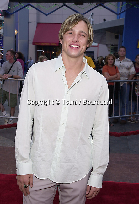 Jay Kenneth Johnson - Days of Our Lives - arriving at the Jurassic Park 3-screening for a new setting for people with visual or audio impairments - . The screening was at the Universal City Walk in Los Angeles. July 24, 2001  © Tsuni          -            JohnsonJayKenneth03.jpg