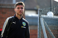 Burnley's Jeff Hendrick arrives at Selhurst Park<br /> <br /> Photographer Ashley Crowden/CameraSport<br /> <br /> The Premier League - Crystal Palace v Burnley - Saturday 13th January 2018 - Selhurst Park - London<br /> <br /> World Copyright &copy; 2018 CameraSport. All rights reserved. 43 Linden Ave. Countesthorpe. Leicester. England. LE8 5PG - Tel: +44 (0) 116 277 4147 - admin@camerasport.com - www.camerasport.com