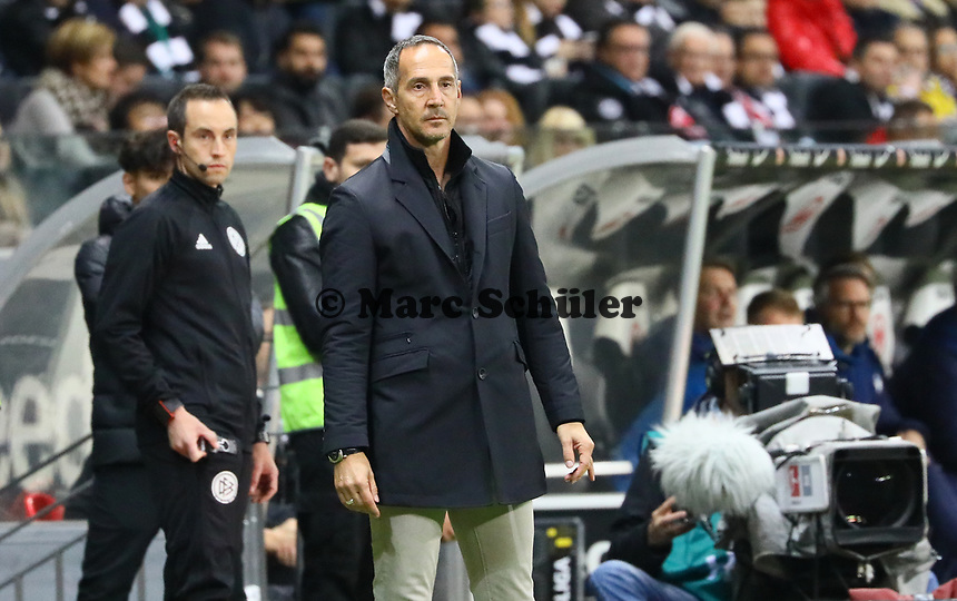 Trainer Adi Hütter (Eintracht Frankfurt) - 11.11.2018: Eintracht Frankfurt vs. FC Schalke 04, Commerzbank Arena, DISCLAIMER: DFL regulations prohibit any use of photographs as image sequences and/or quasi-video.