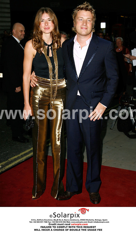 "ALL ROUND PICTURES FROM SOLARPIX.COM..Jamie and Jules Oliver arrives for the 2006 ""GQ Man of the Year"" awards at the Royal Opera House, London..DATE: 05/09/2006-JOB REF: 2778-PRS..""MUST CREDIT SOLARPIX.COM OR DOUBLE FEE WILL BE CHARGED"""