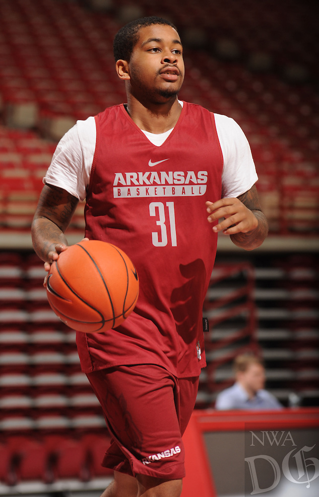 NWA Democrat-Gazette/ANDY SHUPE<br /> Arkansas' Anton Beard participates in practice Wednesday, Oct. 5, 2016, in Bud Walton Arena. Visit nwadg.com/photos to see more photos from Media Day and practice.