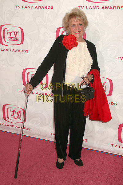 DORIS SINGLETON.5th Annual TV Land Awards at Barker Hangar, Santa Monica, California, USA, 14 April 2007..full length walking stick.CAP/ADM/BP.©Byron Purvis/AdMedia/Capital Pictures.