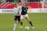 Lauren Cheney (USA) gegen Saskia Bartusiak (D)
