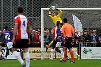 ROLDE - Voetbal, FC Groningen - FC Emmen, voorbereiding seizoen 2019-2020, 16-07-2019,  redding FC Groningen doelman Jan Hoekstra