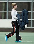 Den Haag - Hoofdklasse hockey dames, HDM-GRONINGEN  (6-2).  Willemijn Bos (Gron.) aan de kant.   COPYRIGHT KOEN SUYK