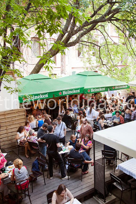 RUSSIA, Moscow. Crowd at  the Kvartira 44 Bar.