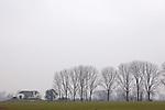 Europa, DEU, Deutschland, Nordrhein Westfalen, NRW, Rheinland, Niederrhein, Bedburg-Hau, Typische Landschaft, Regenwetter, Dunst, Bauernhof, Gehoeft, Kategorien und Themen, Natur, Umwelt, Landschaft, Jahreszeiten, Stimmungen, Landschaftsfotografie, Landschaften, Landschaftsphoto, Landschaftsphotographie, ....[Fuer die Nutzung gelten die jeweils gueltigen Allgemeinen Liefer-und Geschaeftsbedingungen. Nutzung nur gegen Verwendungsmeldung und Nachweis. Download der AGB unter http://www.image-box.com oder werden auf Anfrage zugesendet. Freigabe ist vorher erforderlich. Jede Nutzung des Fotos ist honorarpflichtig gemaess derzeit gueltiger MFM Liste - Kontakt, Uwe Schmid-Fotografie, Duisburg, Tel. (+49).2065.677997, archiv@image-box.com, www.image-box.com]