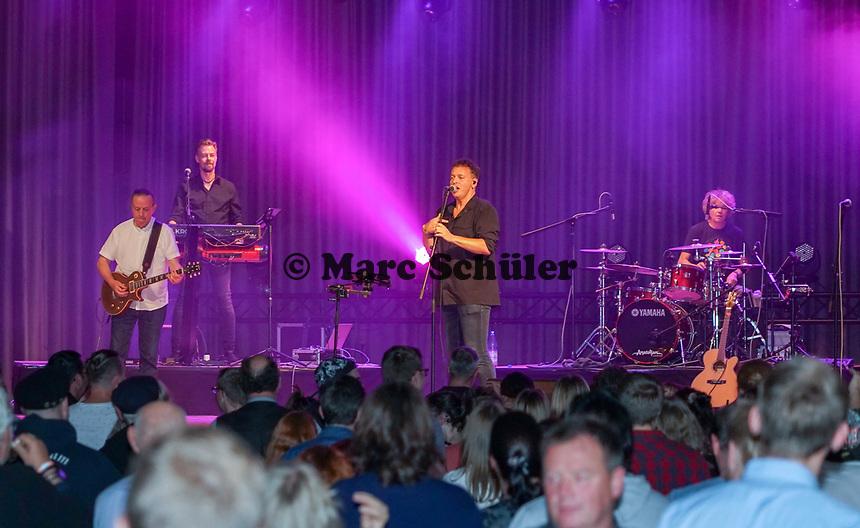 Orange Box XXL tritt zur Kerberöffnung mit Schlagzeuger Herb Jösch (The Heavytones) auf - 18.10.2019: Kerberöffnung in Mörfelden